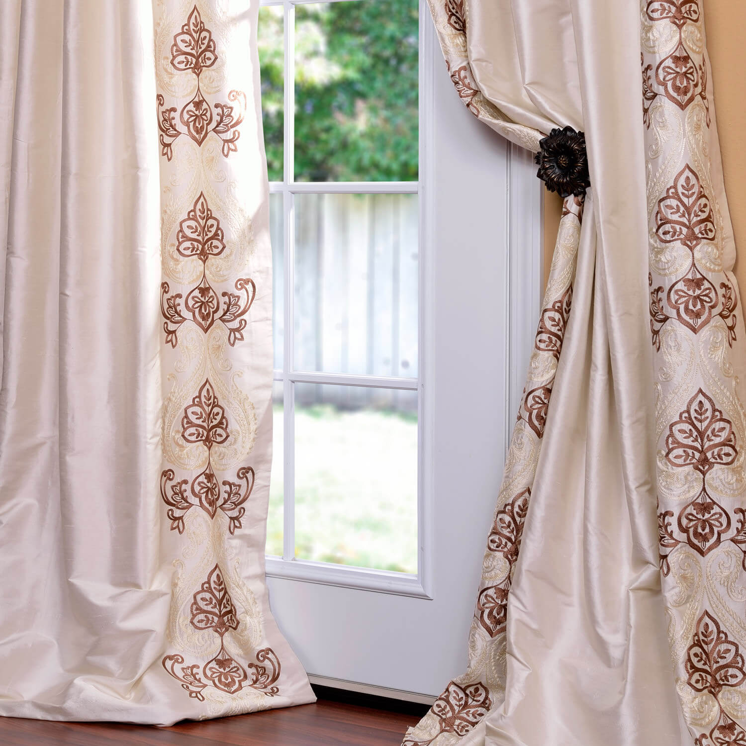 Carliyle Pearl White Thai Silk Curtain